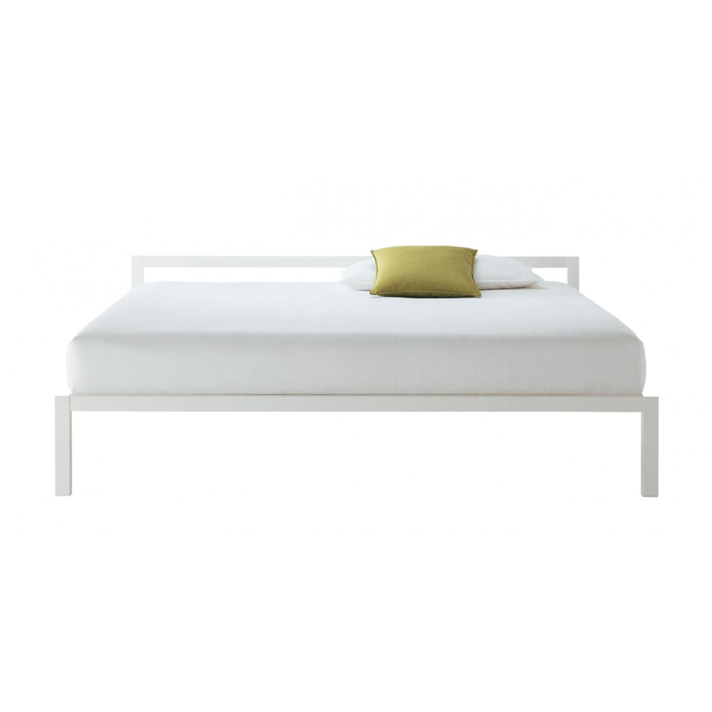 Letto matrimoniale mdf italia aluminium bed laccato design for Letto matrimoniale design