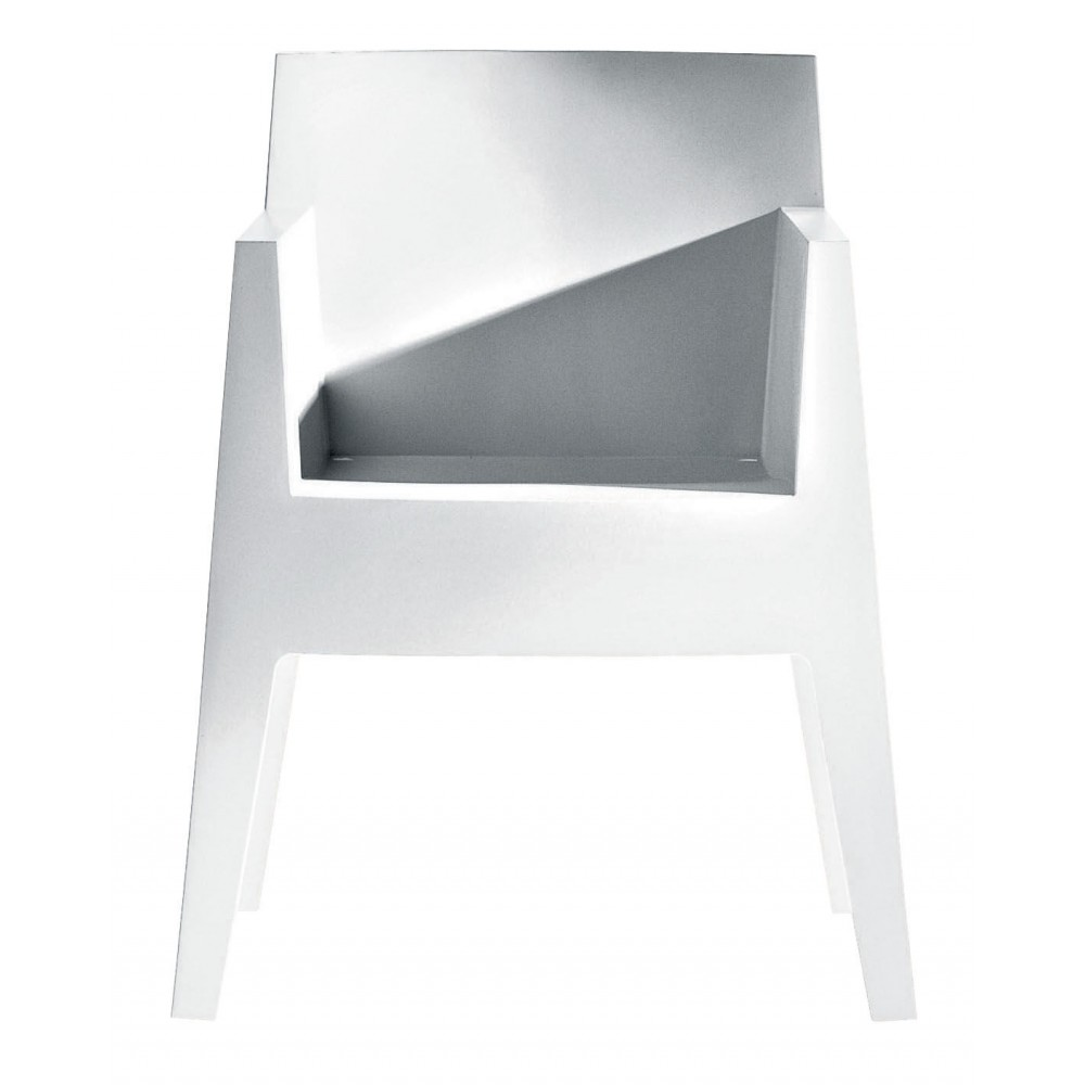 chaise empilable driade toy design philippe starck. Black Bedroom Furniture Sets. Home Design Ideas