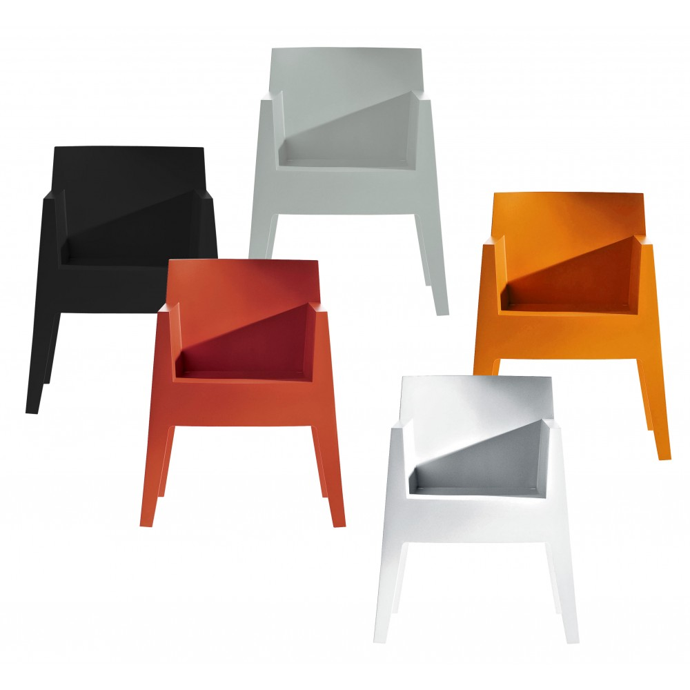Stackable chair driade toy design philippe starck progarr - Chaise design starck ...
